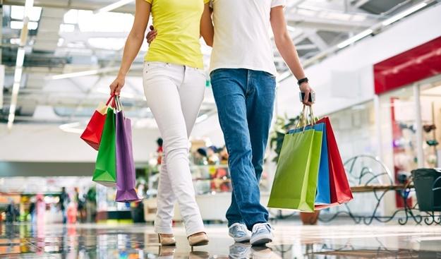 عده بسیار زیادی از مردم هستند که برای تعامل و مشارکت اجتماعی خرید میکنند.